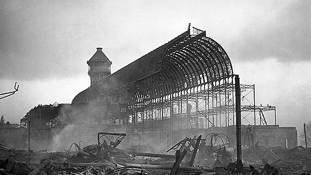 Burning down of the crystal palace