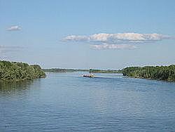 Лето 1583 года Ермак потратил на покорение татарских городков и улусов по рекам Иртышу и Оби, встречая везде упорное сопротивление, и взял остяцкий город Назым.