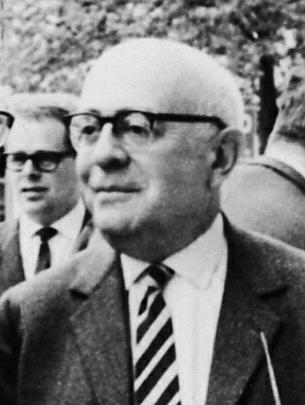 THEODOR ADORNO (Frankfurt, 1903ko irailaren 11 - Visp, Suitza, 1969ko abuztuaren 6a