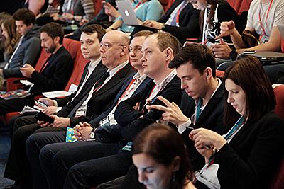 Проведение Восьмого Российского Интернет Форума.