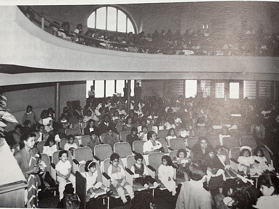 Membership: 450 (appx. 300 Spanish congregation, 150 English congregation)