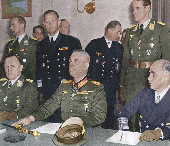 la capitulation de l'Allemagne (la guerre en Europe est finie)