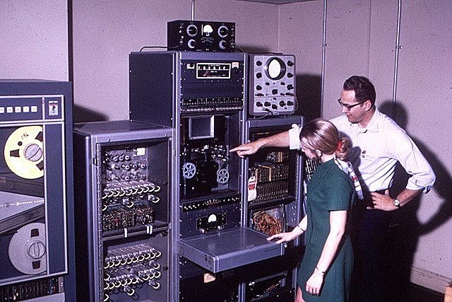 Проведение первых сеансов связи компьютерной сети Релком с Финляндией