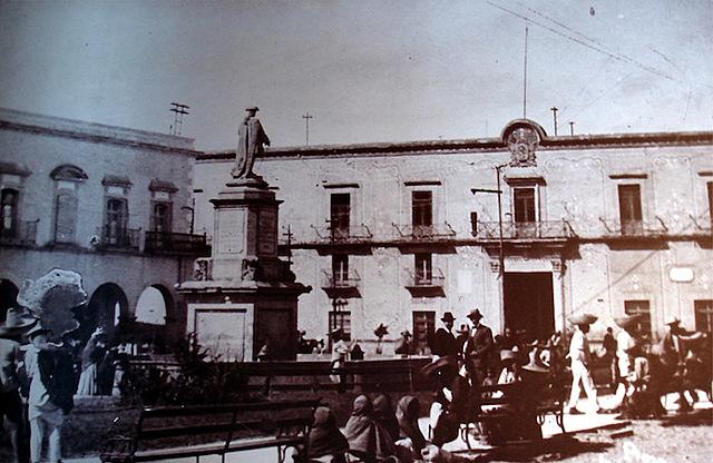 En Querétaro, denuncia a los conspiradores.
