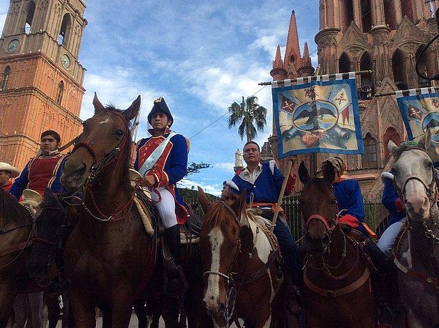 Aldama e Ignacio Pérez avisan a Hidalgo.