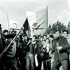 Algérie devient indépendante