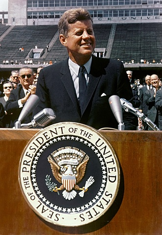 JFK's speech and commitment to getting to the moon
