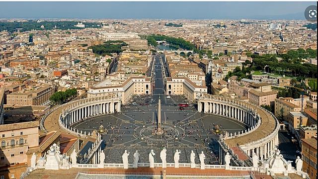 Bernini columnata i placa de Sant Pere del Vaticà