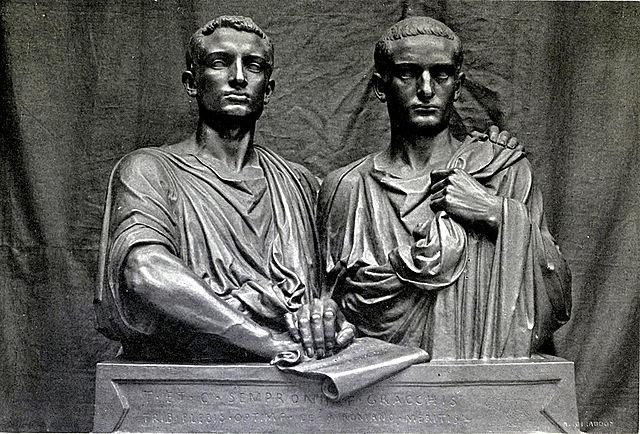 Caius Gracchus est  élu tribun de la plèbe