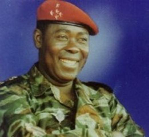 Gen. Kolingba assumes power/ Gen. Kolingba as le puissance du le gouverrnment