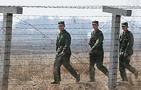 UN Forces Push the North Korea to Yalu River- the Border With China