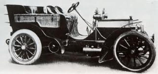 This Daimler of 1899 was owned by Lionel Rothchild