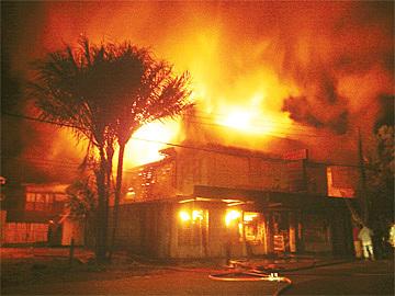 King burns Maverick's store