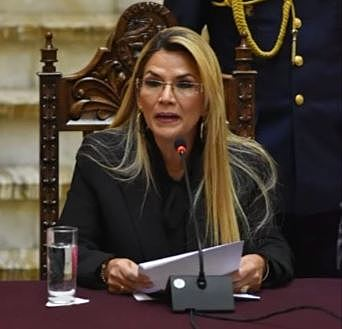 Gobierno expulsa a diplomáticos de México y España