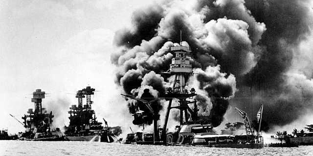 Bitka za Midway(Japonska in ZDA) - zmagala je ZDA