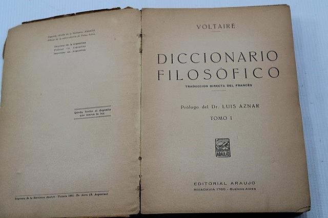 Voltaire: Filosofia hiztegia