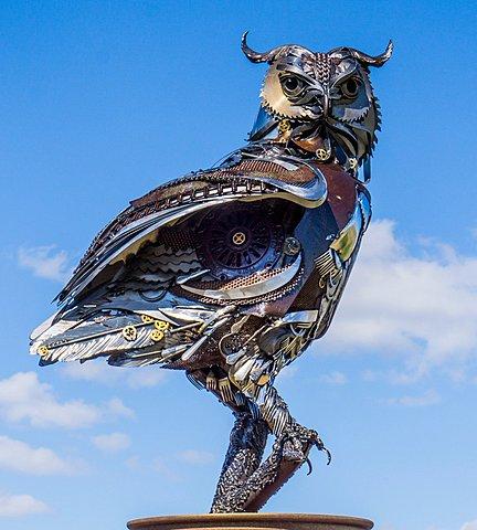 """BOVERO Andréa - Naturel,Artificiel / John Lopez: """"Steampunk Owl"""" (taille réelle)"""