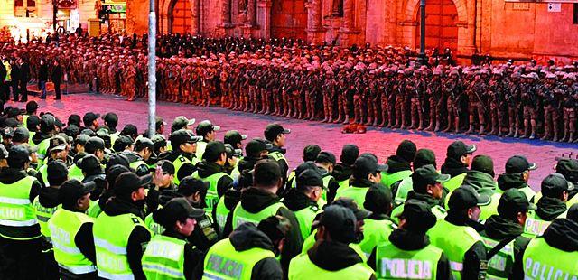 Ante anuncio de protestas, Gobierno militariza urbes y alista erradicación