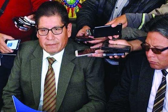Procesarán a los exmagistrados que avalaron reelección de Evo