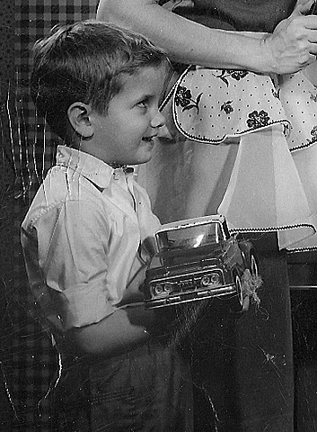Thomas Raymond Born