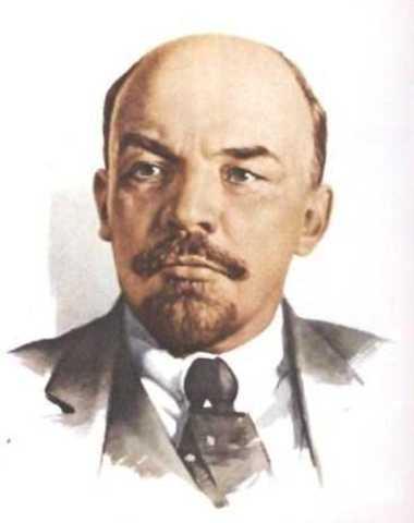Lenin Convinces People to Abandon War