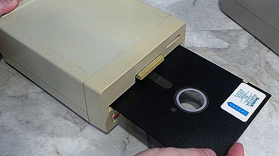IBM construyó el primer floppy disk