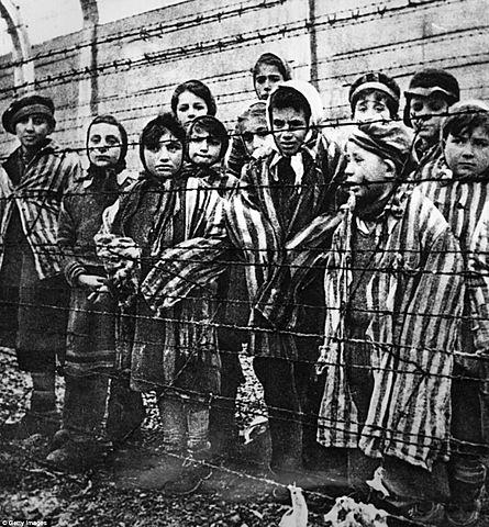 CREACIÓ CAMPS DE CONCENTRACIÓ I HOLOCAUST