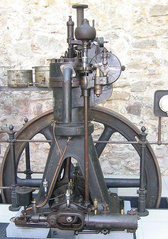 Primer motor diésel