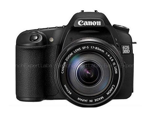 Canon commercialise le premier reflex à destinatiuon du public.