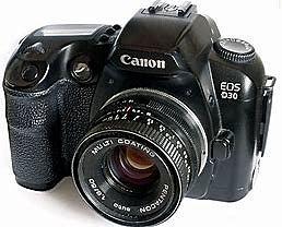 l'EOS D30, de canon