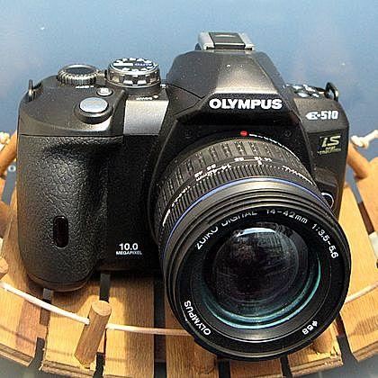 Diversification des appareils photos numériques se poursuit avec la sortie de l'Olympus Pen E-P1