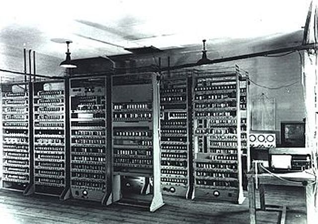 Large Electronic Computer (EDSAC)