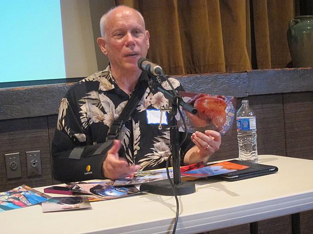Bill Atkinson crea una aplicación llamada Hypercard para Macintosh