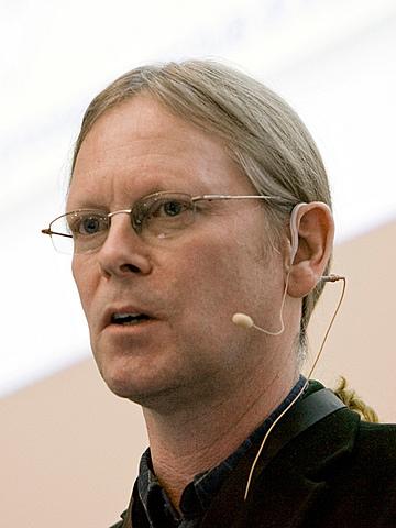 Dave Raggett, de los laboratorios Hewlett-Packard visita a Tim Berners en el CERN