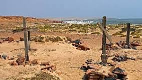 Cão reaches Cape Cross, where he erects his last padrão.