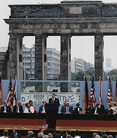 Reagan and the Berlin Wall