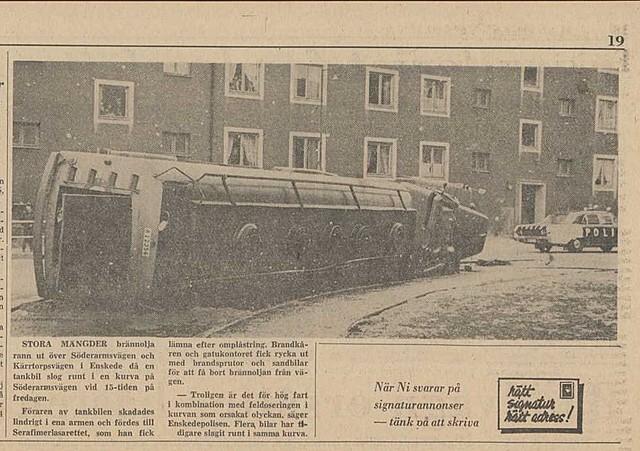 Tankbil välter på Söderarmsvägen...