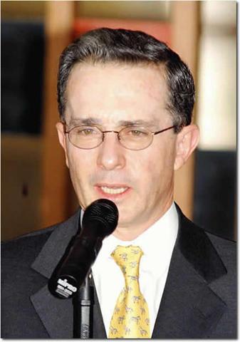 Posesión de Alvaro Uribe Vélez
