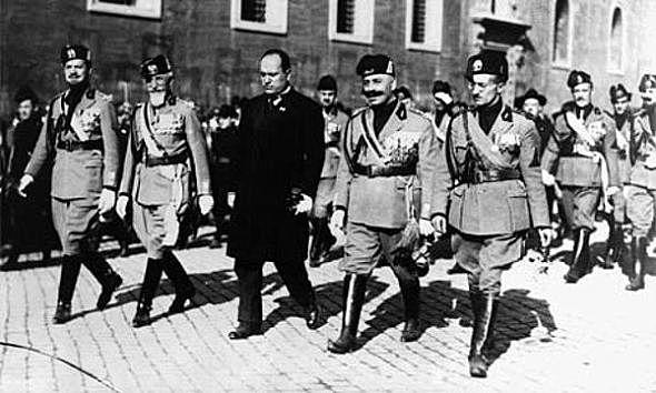 Benito Mussolini marcha sobre Roma