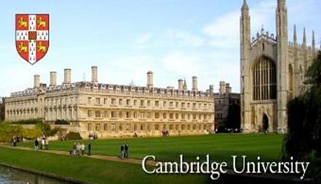 Darwin es nombrado por la Universidad de Cambridge doctor honoris causa.