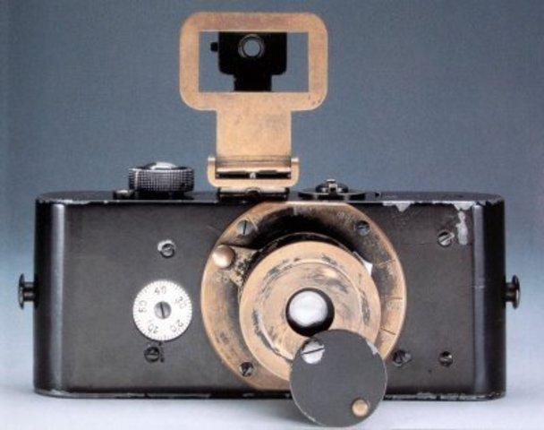 First 35mm still camera developed