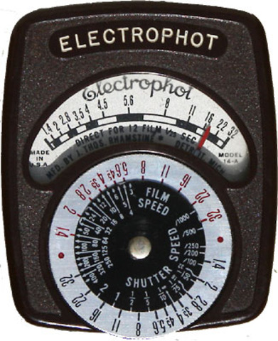 First light meter with photoelectric cell introduced