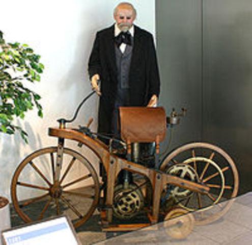 primera motocicleta a vapor