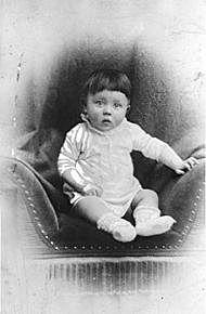 Adolf Hitler blir fødd