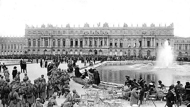 El moviment creat al 1919 es transforma en un partit polític