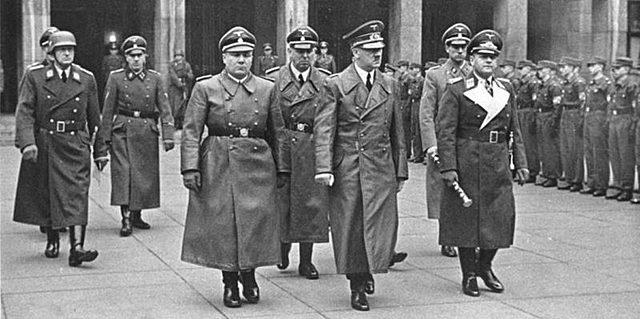 Els nazis aconsegueixen un avantatge notable sobre la seva oposició
