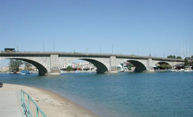 London Bridge brought to USA (Arizona)