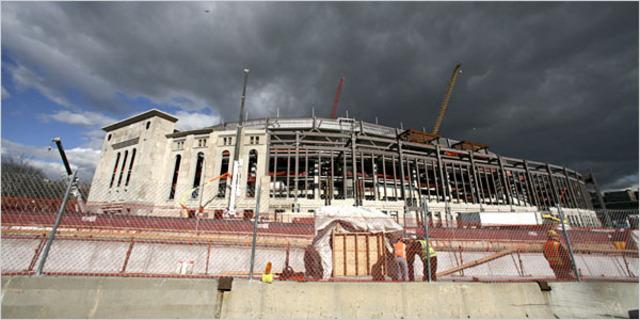 Last piece of Yankee Stadium falls down