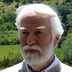 Tom Cavalier-Smith (1942-, botaniste britannique)