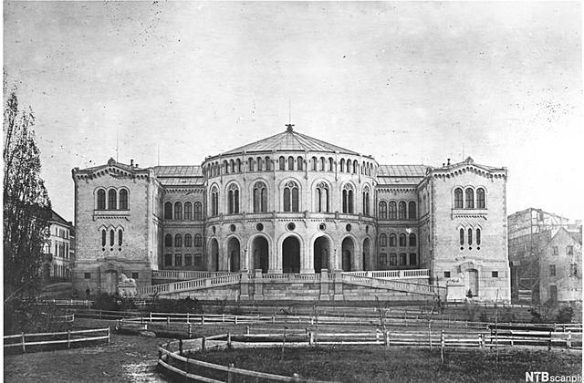 Parlamentarismen og politiske partier